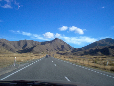 driving_towards_lindis_pass_heading_south_400