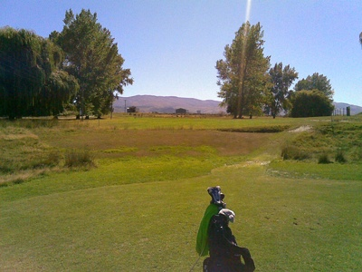 first_hole_tarras_golf_club_otago_par_3_400