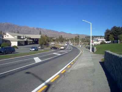 main_road_into_tekapo_looking_north_400